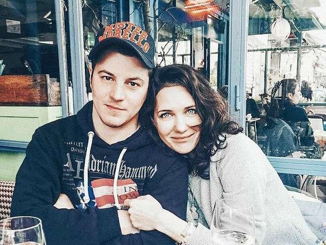Гела Месхи после расставания с Климовой: с кем встречается, кто такая Катрин Асси, биография и личная жизнь, фото