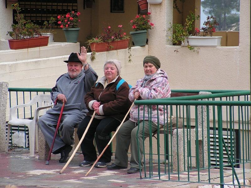 Как оформить выход сотрудника на пенсию