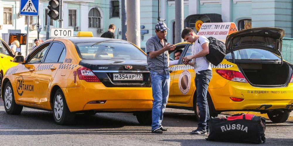 Иностранцам запретят работать в такси в 2019 году: когда примут закон, новые требования к такси