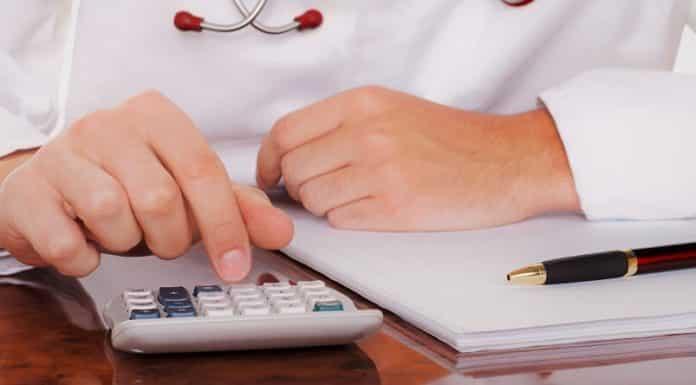 Повышение зарплаты медикам и учителям в 2019 году: когда планируется, на сколько