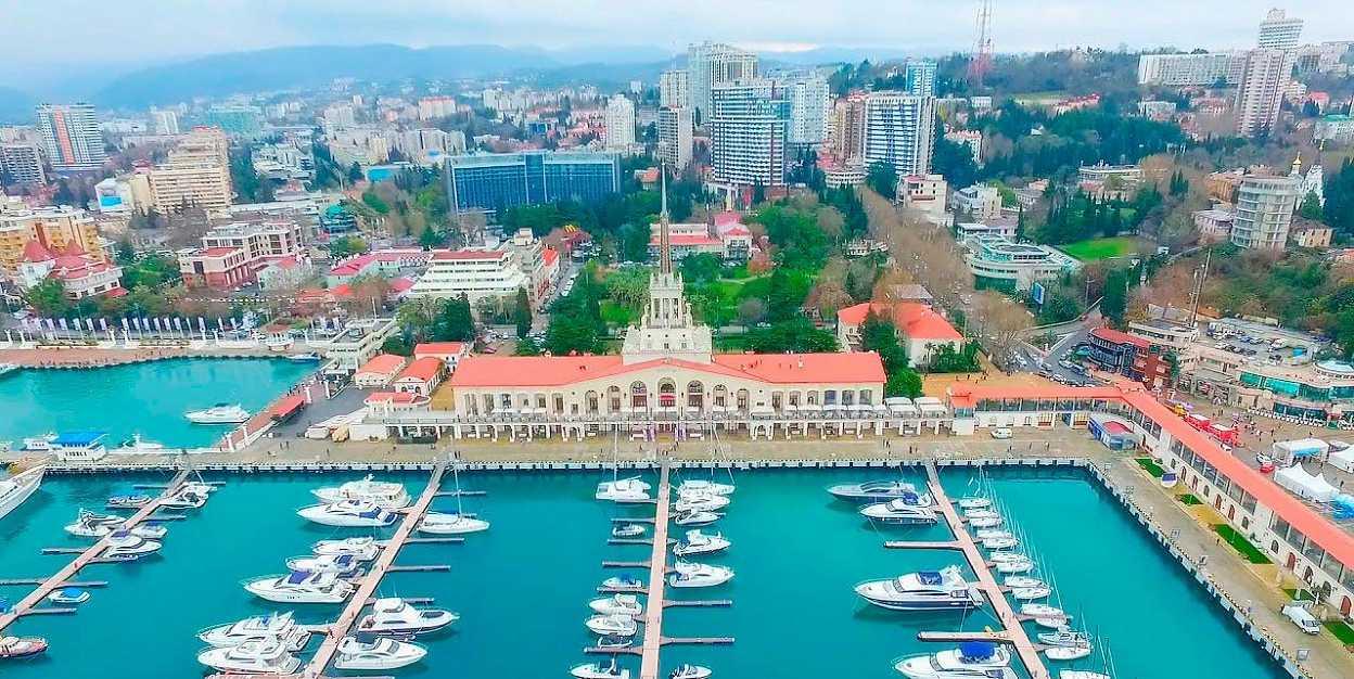 Рейтинг лучших городов для отдыха с друзьями: где лучше в России или за границей?