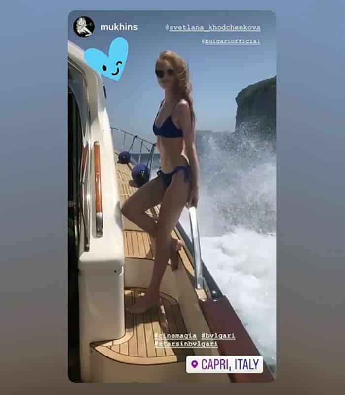 Фото Светланы Ходченковой в бикини вызвало удивление в сети: идеальная фигура