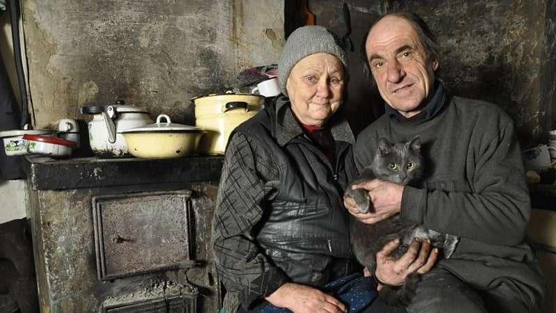 Как живут бедные люди в России: почему нищих становится больше