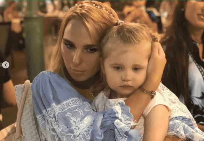 Новые фото Пелагеи с дочерью в инстаграм. Сколько лет дочке, как зовут, что известно о личной жизни певицы Пелагеи