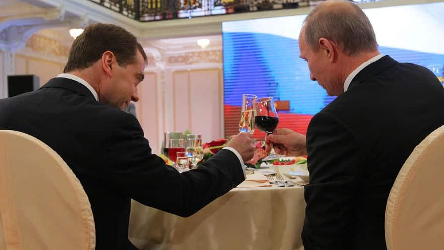 Почему российским чиновникам запретили пить французское вино?
