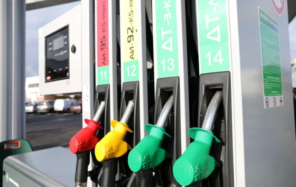 Города юга с самой высокой ценой на бензин: данные от Росстата