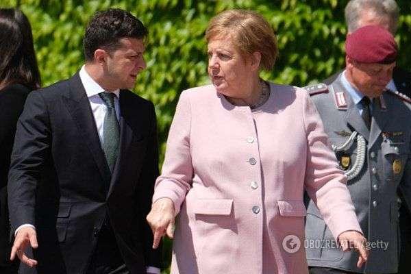 Что произошло с Меркель на встрече с Зеленским: чем болеет Ангела Меркель, почему Зеленский не помог (смотреть видео)