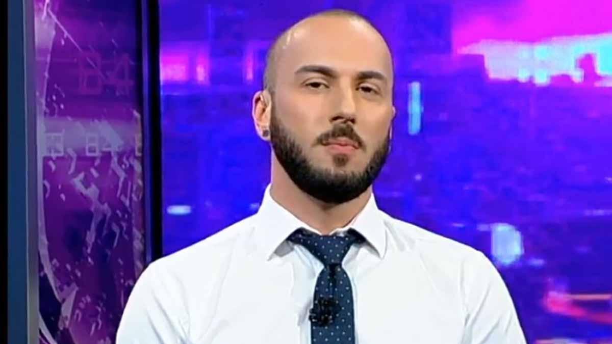 Ведущий, покрывший матом Путина - гей партнер своего директора