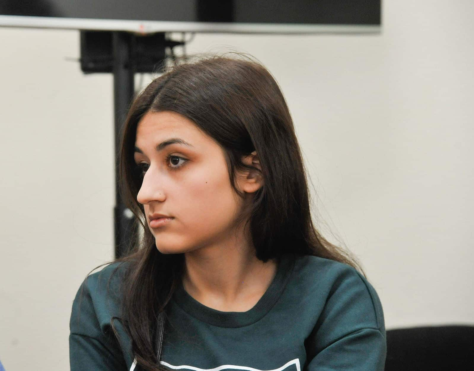 Сестрам Хачатурян продлили арест. Сколько сестер сейчас в тюрьме? Когда суд, что грозит, подробности расследования