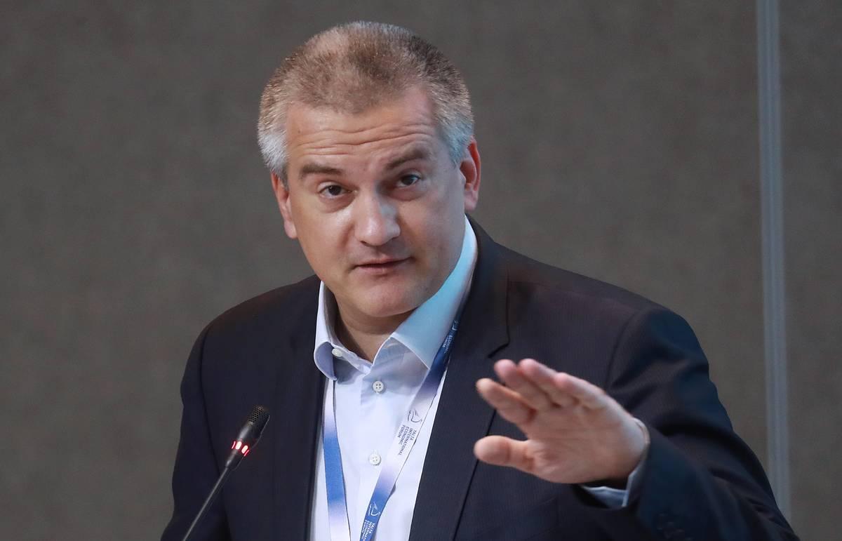 Аксенов предлагает посетить Крым вместо Грузии