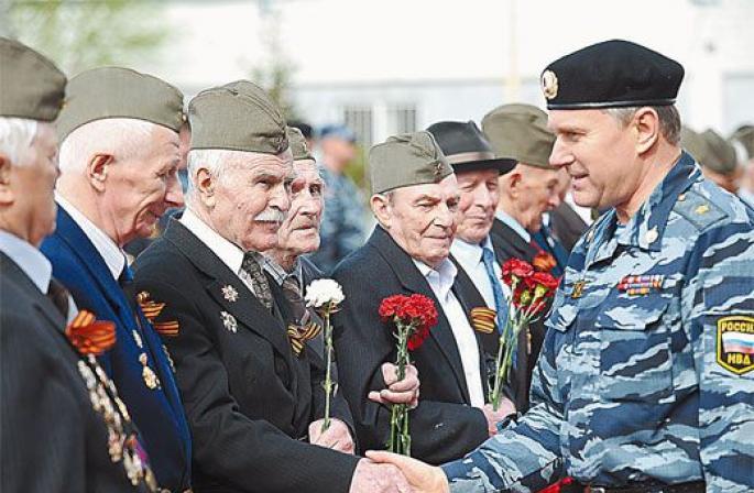 На сколько увеличат пенсии военным пенсионерам в 2019 году: что сказал Путин на Прямой линии
