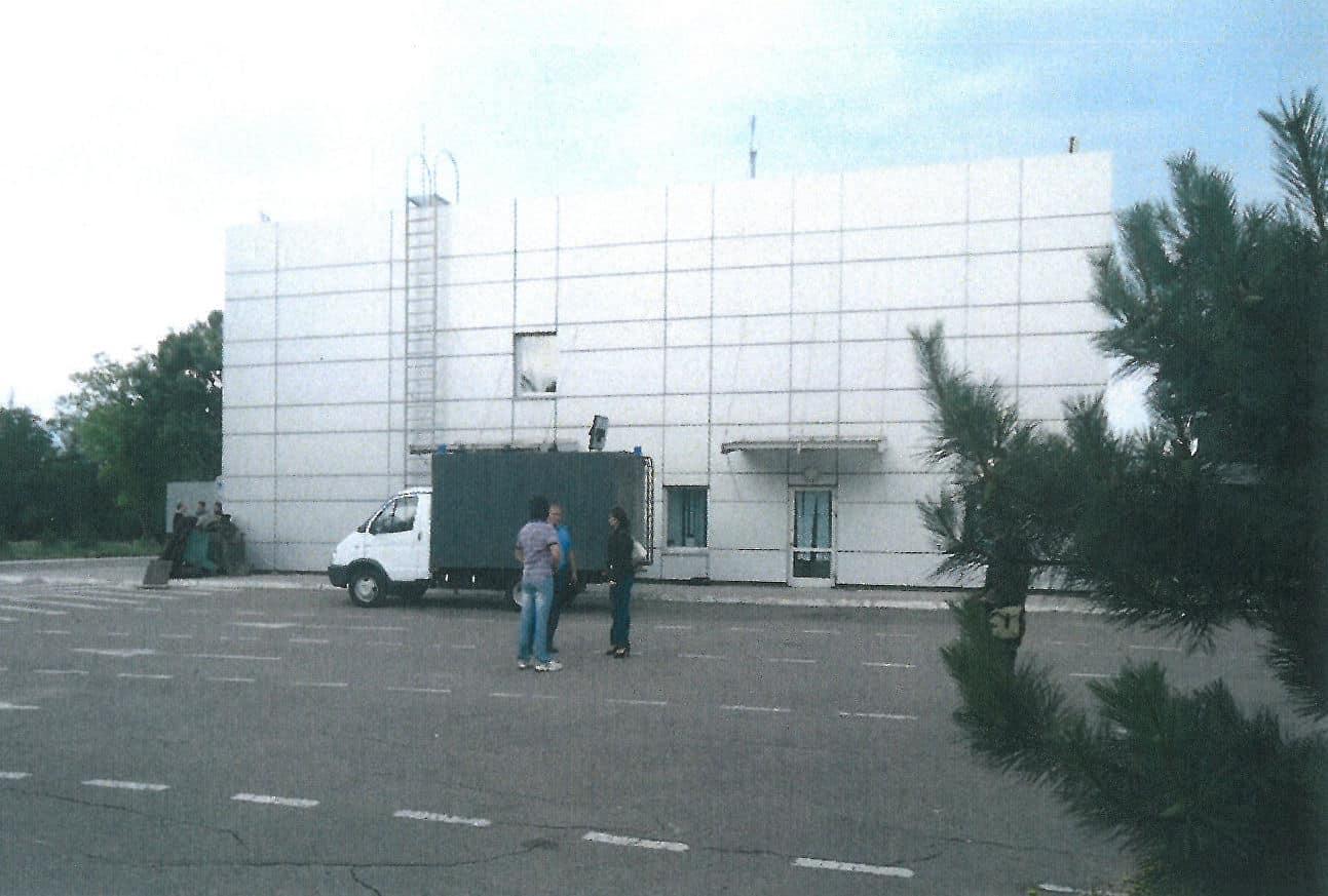 Секретная тюрьма в Мариуполе: журналисты нашли доказательства