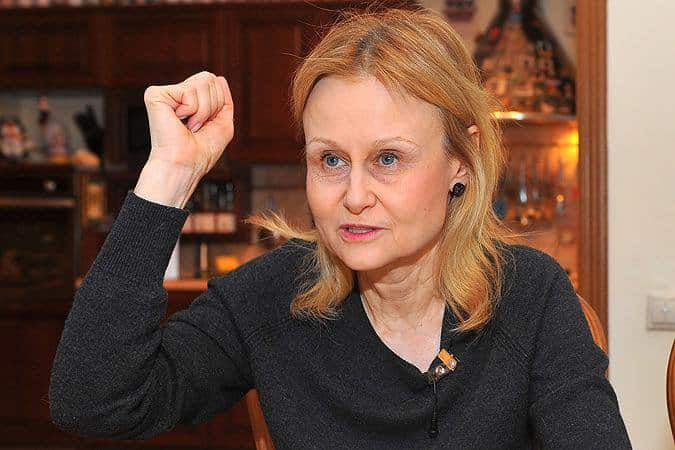 Рак чего был у Донцовой: писательница делится советами как побороть рак груди