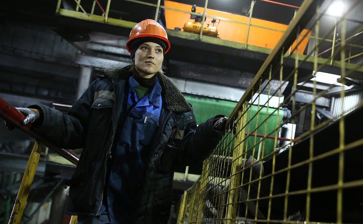 Список профессий, запрещенных для женщин хотят увеличить в России