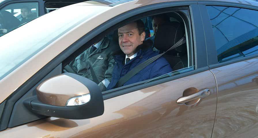 Закон Медведева о тонировке в 2019 году: последние новости, новый техосмотр