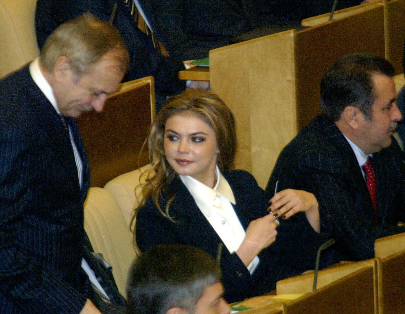 Алина Кабаева: тайна её семьи, что случилось в жизни Кабаевой много лет назад