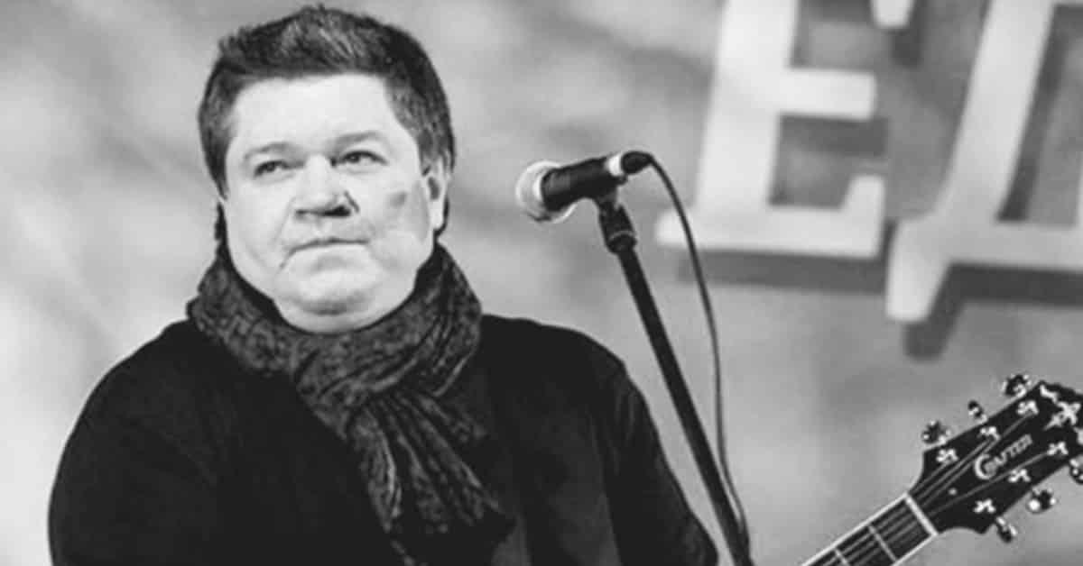 Причины смерти Ильи Калинникова, лидера группы «Високосный год»: от чего умер артист