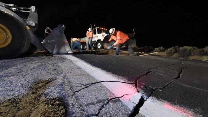 Фото страшного разлома после землетрясения в Калифорнии в июле 2019