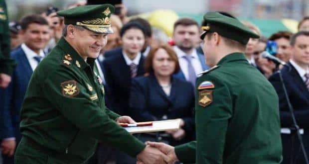Рост зарплаты военнослужащих в 2019 году: Сергей Шойгу заявил, кто из может рассчитывать на повышение