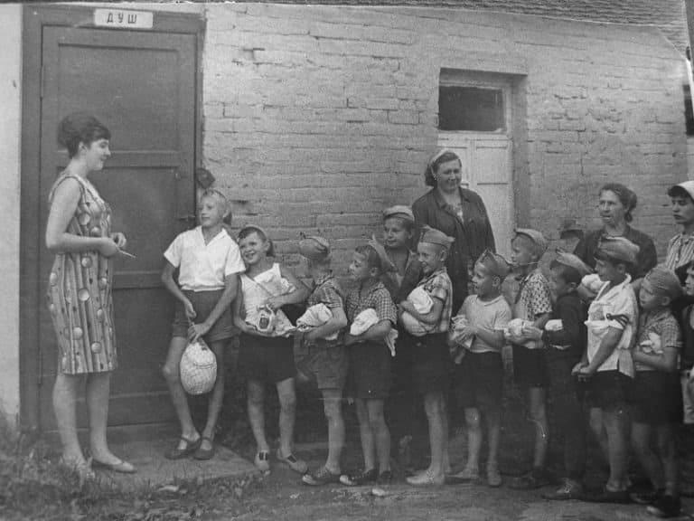 Гигиена в советские времена была опасной для людей: хозяйственное мыло, тройной одеколон и туалетная бумага