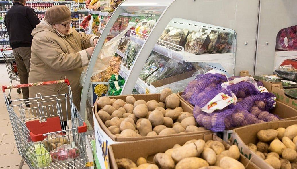 Почему в России стали меньше тратить денег в магазинах: сумма чека уменьшается