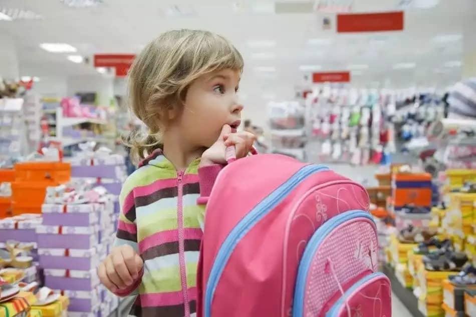 Как сэкономить собирая детей в школу в 2019 году: что нужно обязательно купить для школы