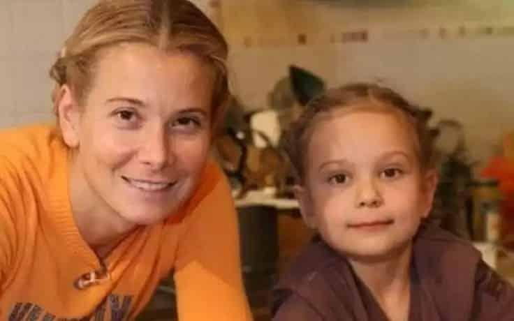 Маша Кончаловская, дочь Юлии Высоцкой вышла из комы: как себя чувствует, реабилитация