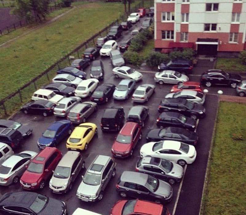 Штрафы за неправильную парковку во дворе жилого дома в 2019: есть или нет, куда жаловаться