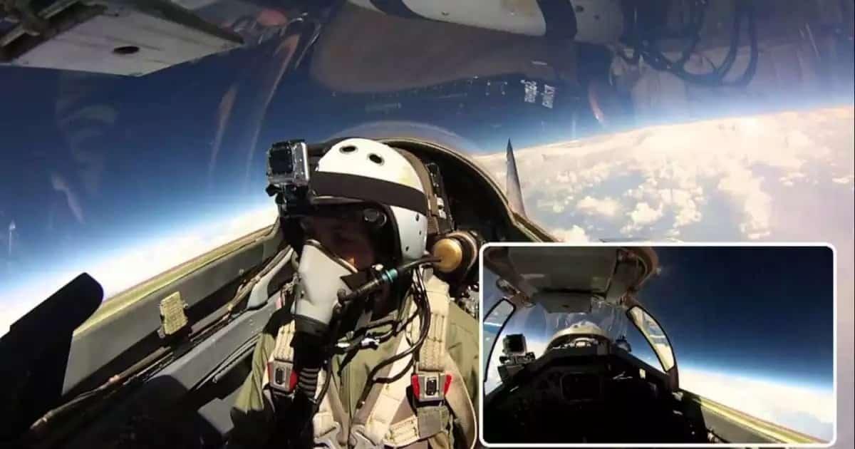 Полет Российского МИГ-31 в стратосфере: видео