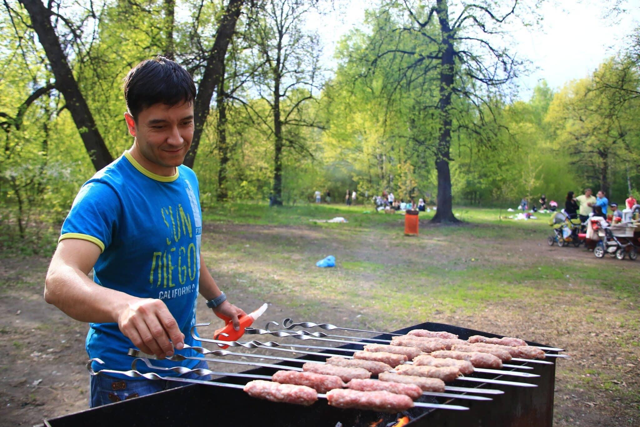 Места, где можно бесплатно пожарить шашлык в Москве в 2019 году