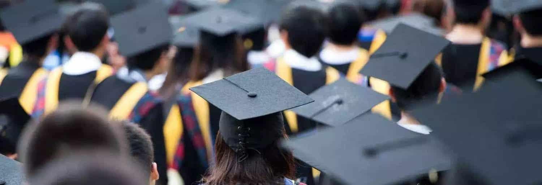 Почему россияне реже стали уезжать за границу для получения образования. Почему стало не выгодно учиться за границей