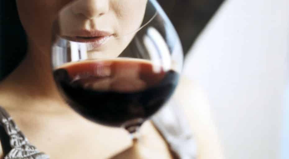 Продукты, которые нельзя употреблять вместе с алкоголем: лекарства, энергетики, сладости