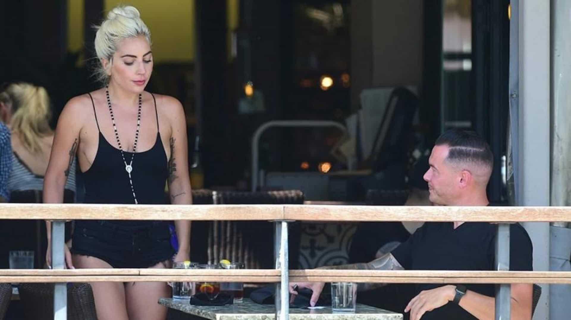 Что сейчас происходит между Леди Гага, Брэдли Купером и Ириной Шейк