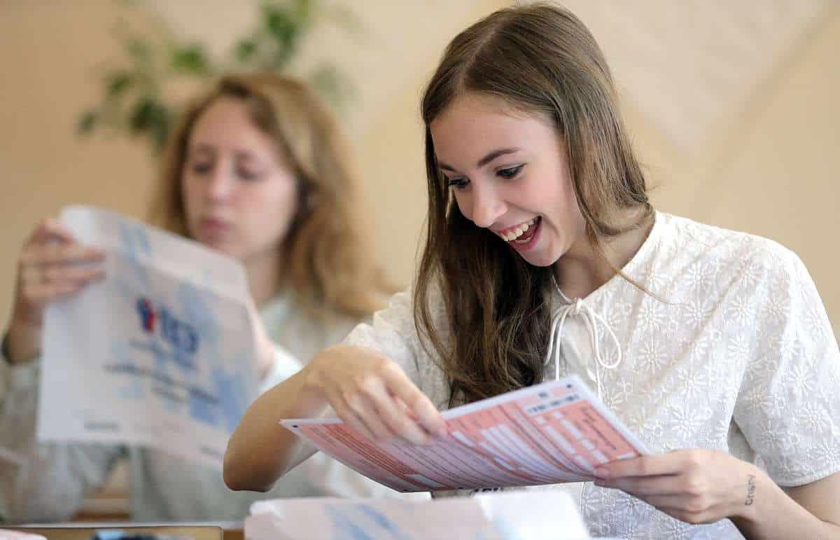 Школьников обяжут сдавать ЕГЭ по трем предметам: с какого года история будет обязательной