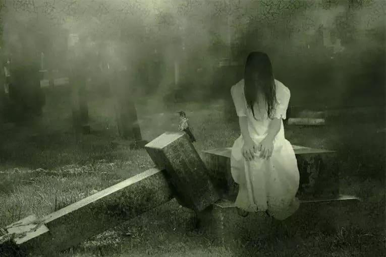 Почему нельзя оборачиваться на кладбище: все версии происхождения запрета