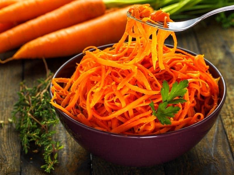 Полезные свойства моркови: влияние моркови на зрение, как правильно есть морковь