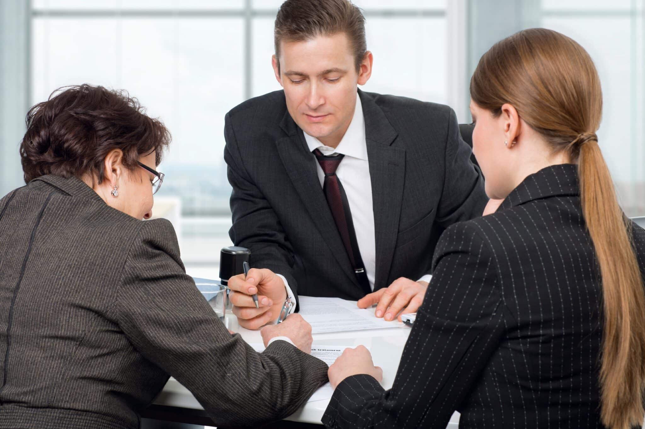 Сделки с долевой собственностью упростили: нужно ли оформлять сделку нотариально