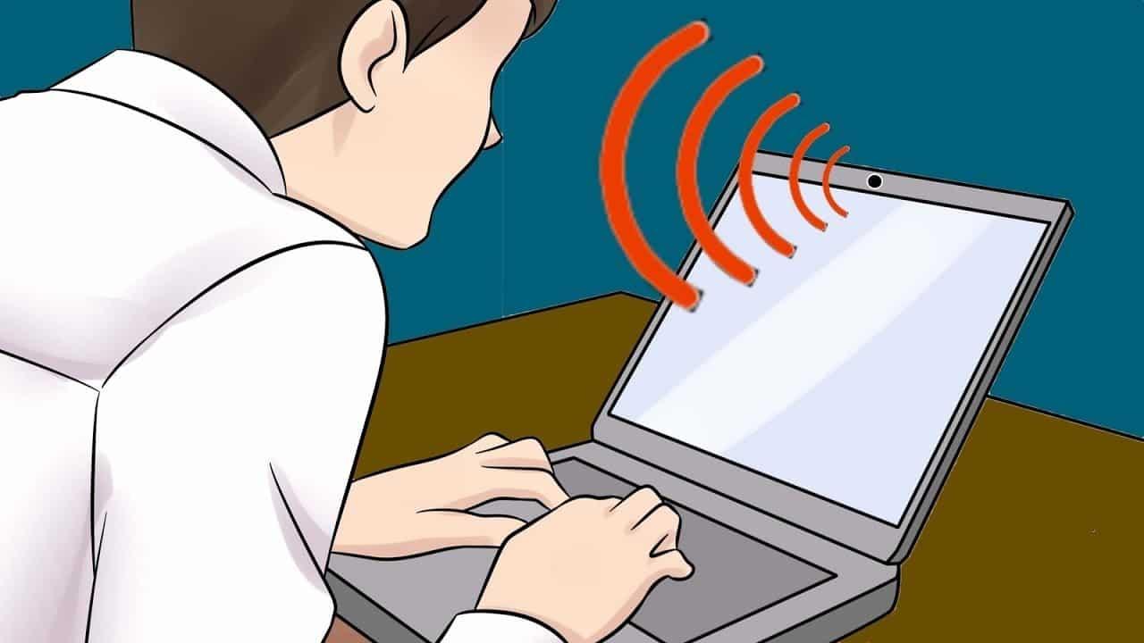 Нужно ли заклеивать камеру и микрофон ноутбука: что рекомендуют специалисты