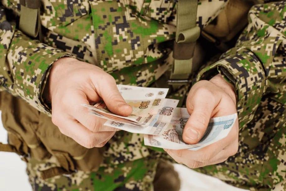 Увеличение денежного довольствия военных с сентября 2019 года: на сколько поднимут, дополнительные льготы