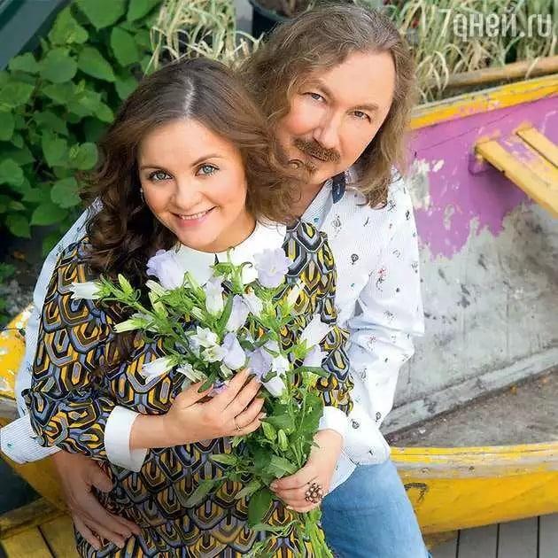 Почему Игорь Николаев снял обручальное кольцо: разводятся или нет, супруга Николаева