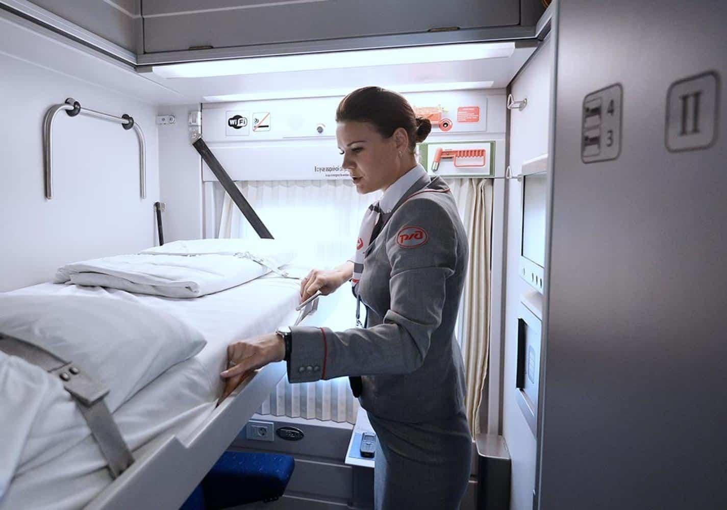 Постельное бельё в поезде в 2019: правила использования, стоимость, можно ли использовать своё