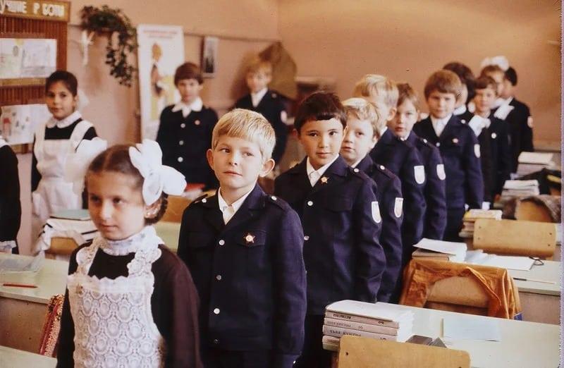 Какие советские радости никогда не испытать современным школьникам