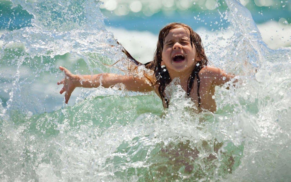 Какая должна быть температура морской воды чтобы купаться комфортно