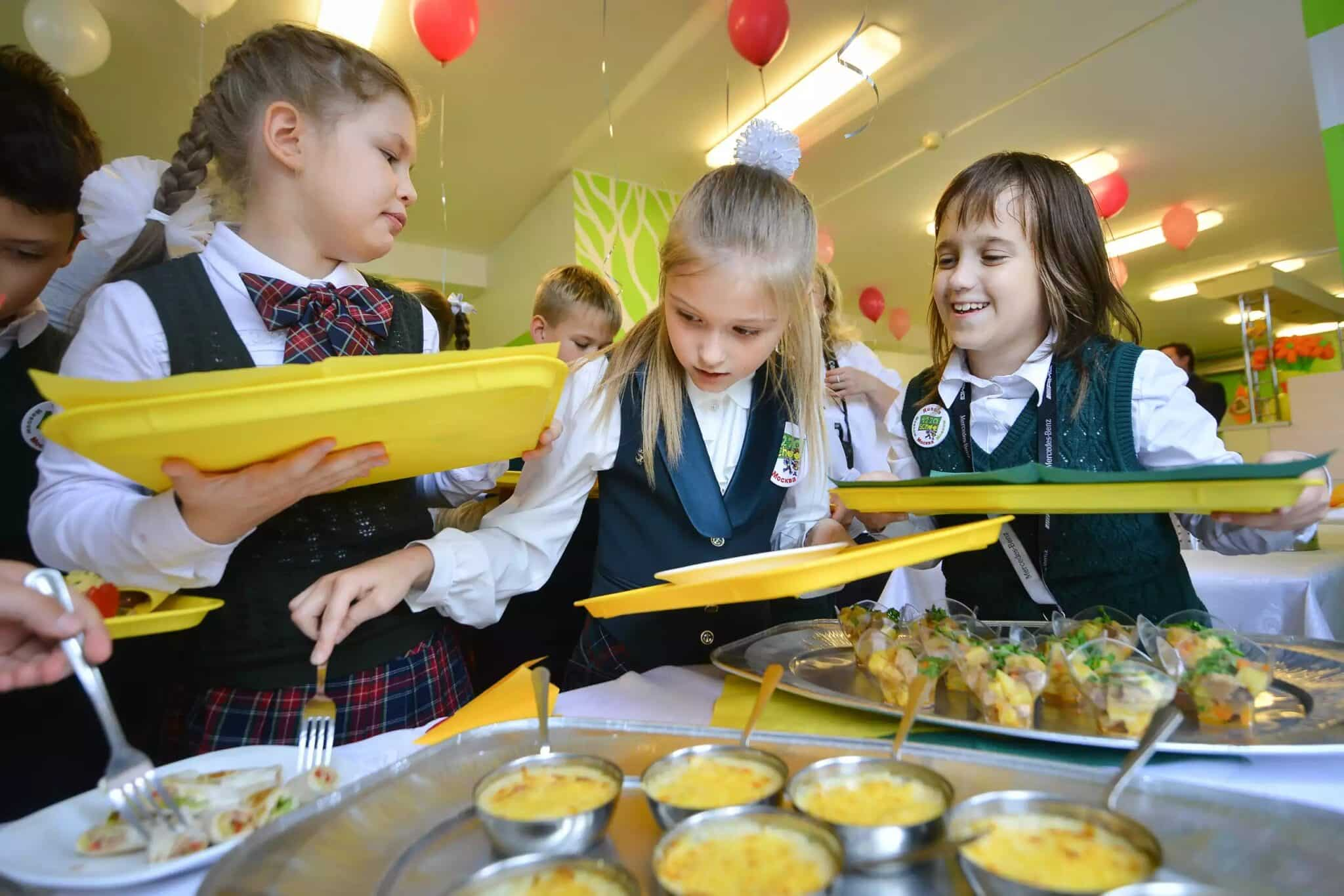 Должны ли дети питаться в обязательном порядке в школе