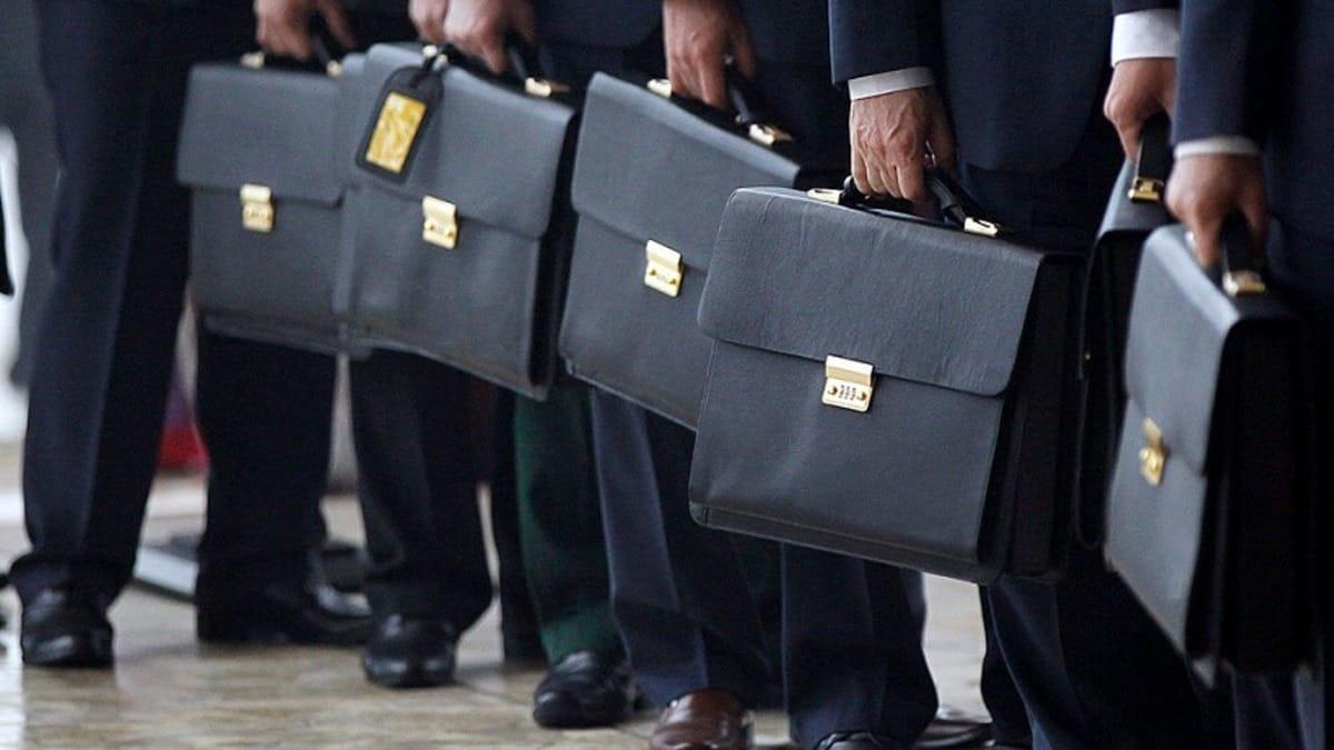 Сокращение работников муниципальной сферы в 2020 году: причины сокращения, кого затронет. Сколько сотрудников сократят