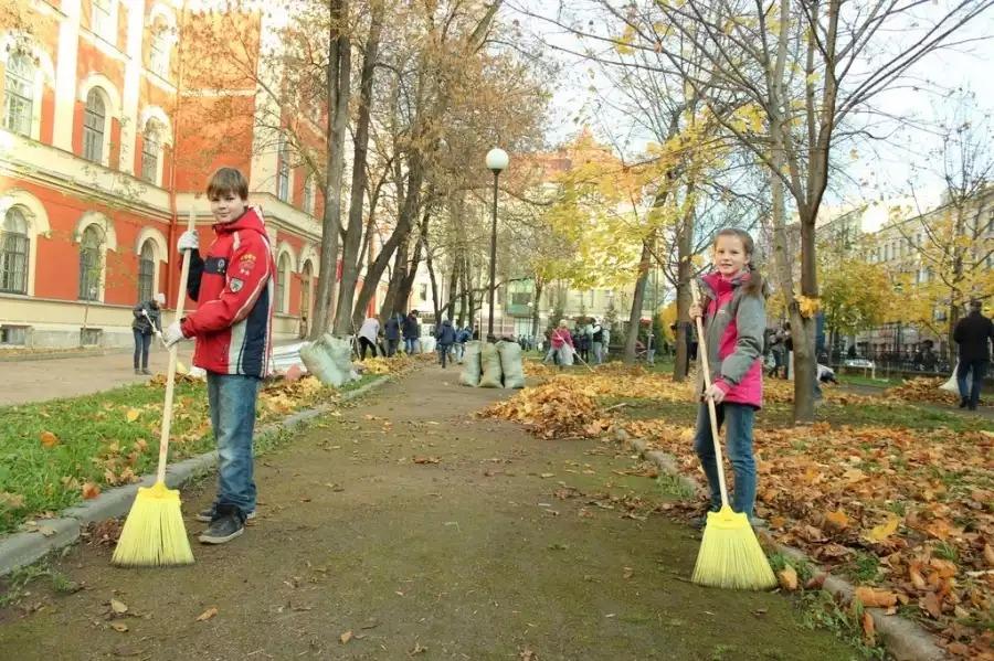 Список субботников в Москве осенью 2019 года: кто занимается организацией субботников, история субботников