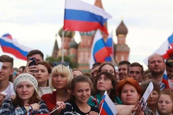 Россиян считают красивыми или нет: почему жителей России считают уродливыми, как британцев