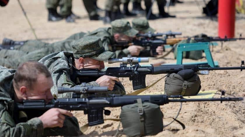 Дождутся ли российские военнослужащие повышения зарплаты в 2019: дата повышения зарплат, на сколько поднимут