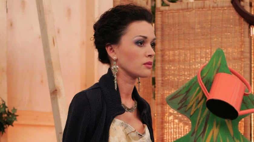 Анастасия Заворотнюк пришла в себя: последние новости, сколько стоит лечение актрисы