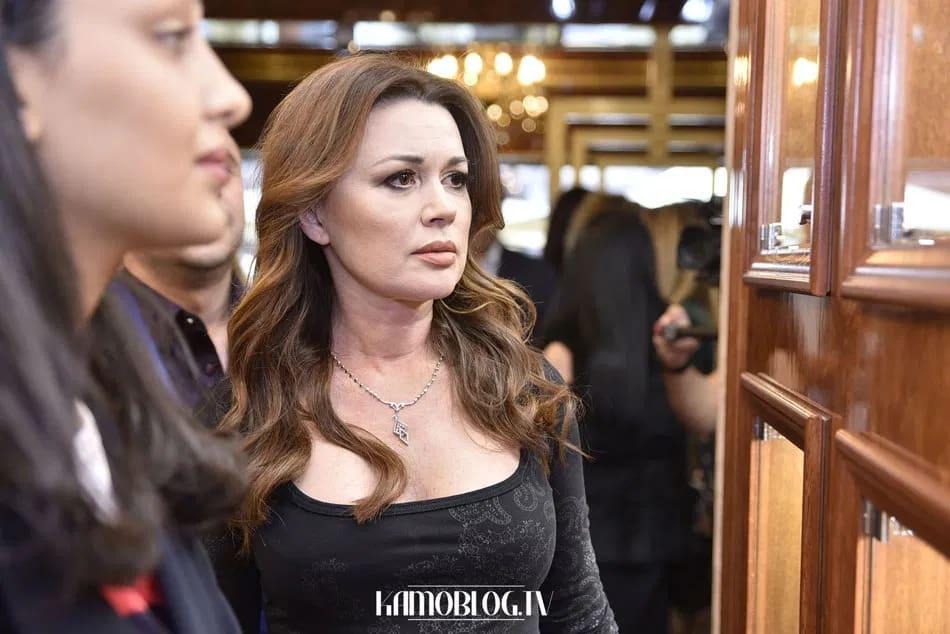 Состояние Заворотнюк сегодня: последние новости, актриса в сознании или нет, как себя чувствует